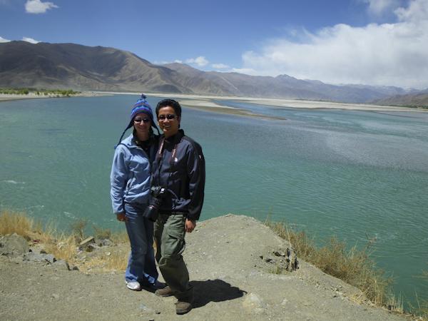 Heidi and George at Yamdrok Lake, Tibet