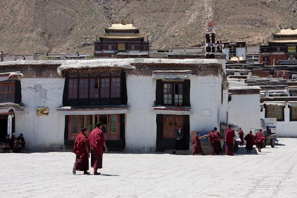 Buddhist monks at Tashi Lhumpo Monastery