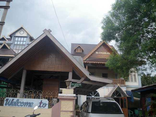 Mr. Charles Guest House in Hsipaw